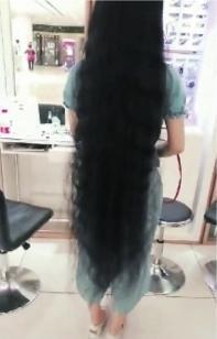 辰溪拍艺术照之前的头发