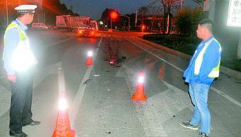 连续碾轧事故发生现场。