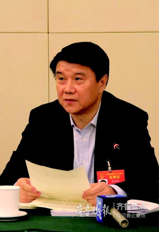 全国人大代表、泰安市委书记崔洪刚