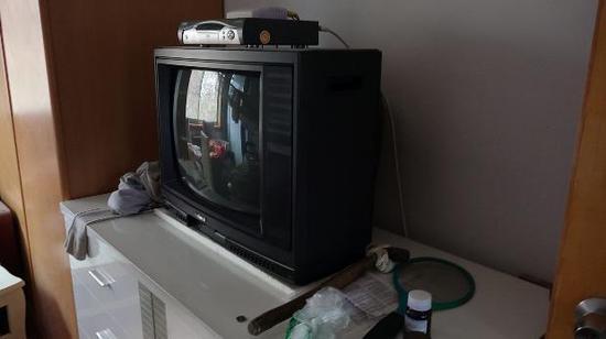仍使用的老式电视机