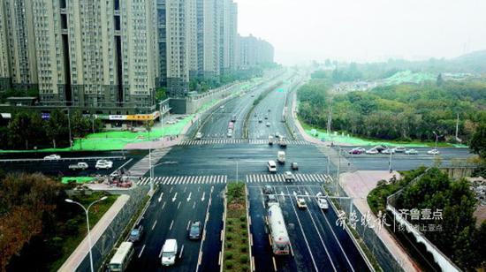 凤岐路打造交通景观大道。齐鲁晚报·齐鲁壹点记者刘飞跃摄