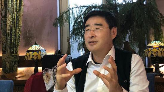 青大附院副院长、器官移植中心主任臧运金接受半岛记者专访。