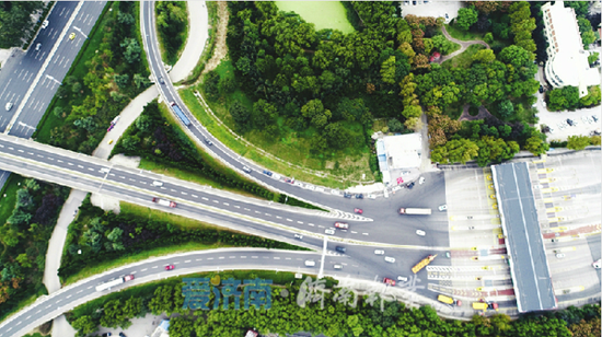 小型客车跑高速337万余辆次比去年同期增长近五成