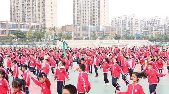 """济南市体育与健康学科学生体质健康促进专题暨""""城乡互动""""活动在章丘区实验小学举行"""