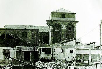 1919年建的鲁丰纱厂实验室,即现存的老变电所。(资料片,上世纪五六十年代拍)