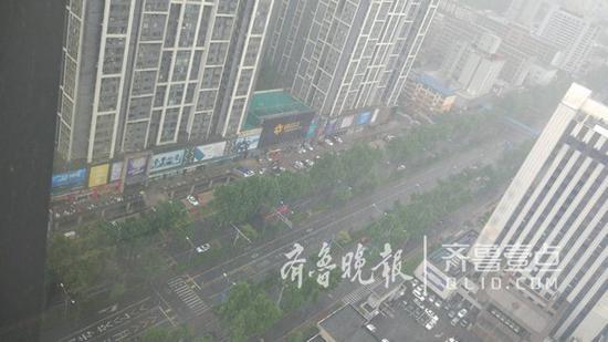 济南市气象台2018年05月15日15时发布的15~18时天气预报: