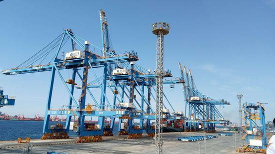 青岛港自动化码头。