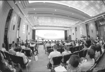 5月26日,济南托马斯实验学校举行了2019招生信息发布会。