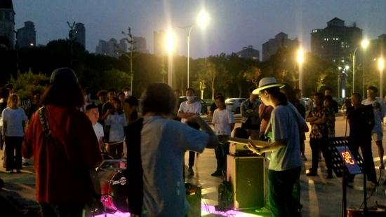 街头艺人需规范 省文旅厅:文旅部门有责任去管理