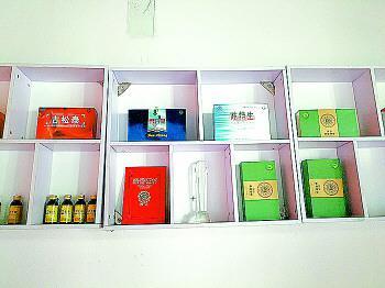 店内展示的部分产品。