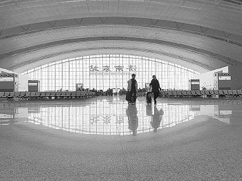正月十五、十六客流高峰过后,济南东站客流回落。