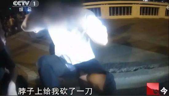 一个多小时后,刘海龙由于伤势过重,不治身亡。