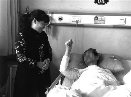 白厚祉老人去世后,董立秀开始护理其他病人