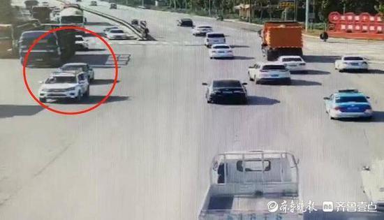 男子被电锯割断手指 阳谷交警两警车接力火速送医