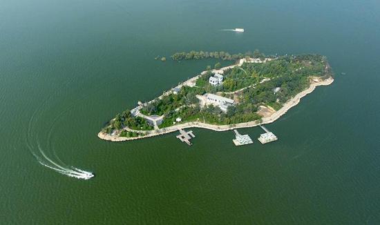 新增的3A级景区有雪野湖休闲渔业公园、利和庄园、笔架山景区。