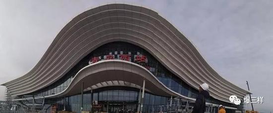青岛西站施工收尾。
