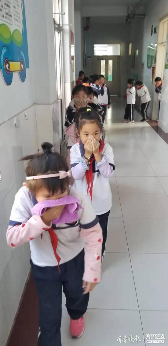 警钟长鸣 滨城杨柳雪尹集小学举行消防应急演练