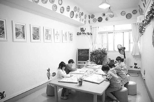 一个小区4家少儿美术培训机构