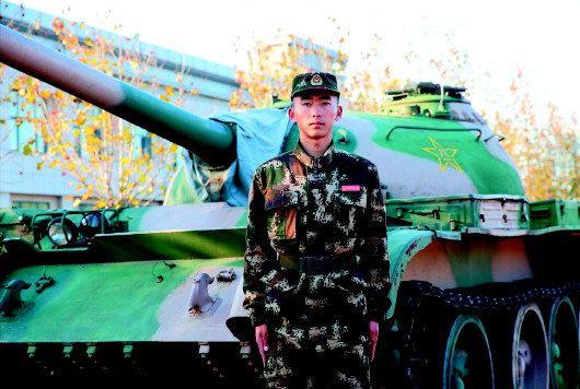 放弃万元月薪 选择再次入伍 一退伍坦克兵的军旅情结