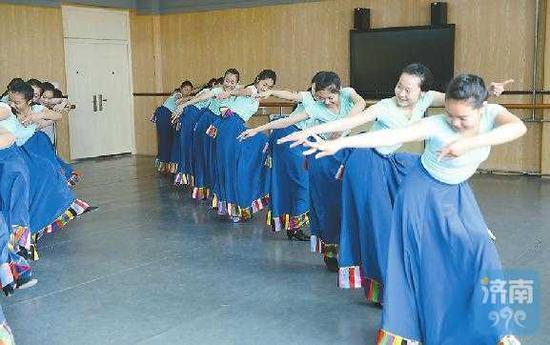 济南艺术学校特色课程丰富多样 济南日报记者陈长礼 摄