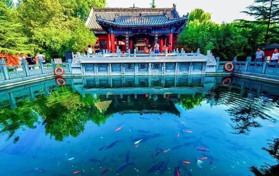 5.5月19日,章丘朱家峪景区门票半价优惠,即20元/位。