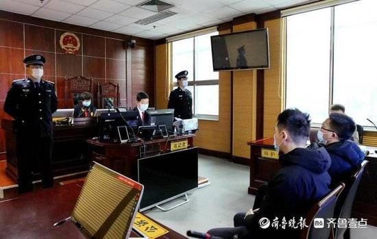 黄岛:考研保过 两男子组织考试作弊被判刑一年半