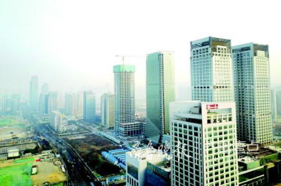 济南CBD南侧已经建成的高层建筑。 记者 周青先 摄