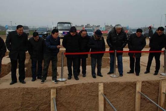 国家文物局专家组一行检查指导大韩村东周墓地考古发掘工作