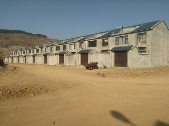 临沂市费县朱田镇明石塘村二层复式住宅。