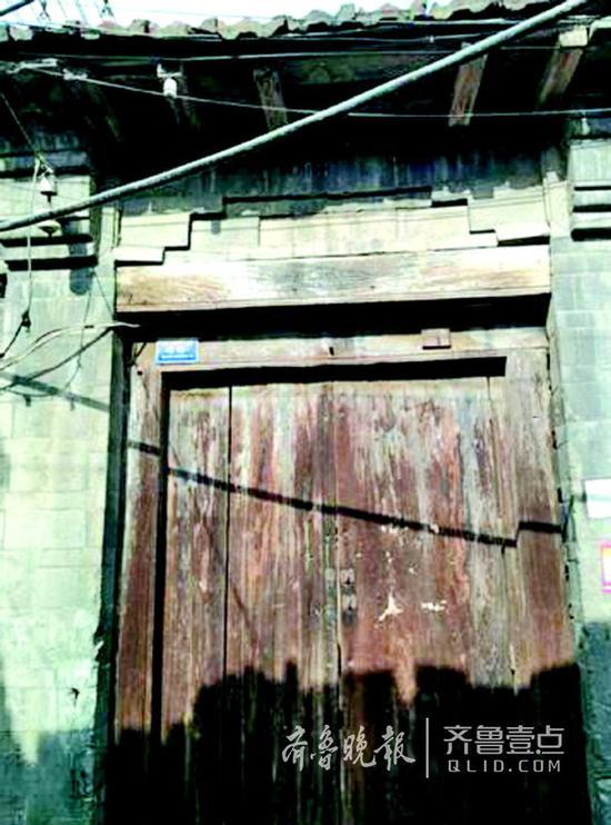 上新街46号原沙家公馆,保留了门楼。