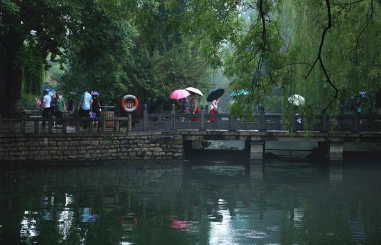 初冬暖阳的旅行:细雨游泉