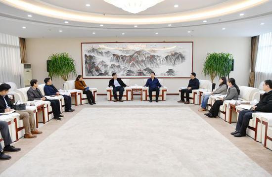 驻潍高校国有资产管理交流座谈会在潍坊医学院召开