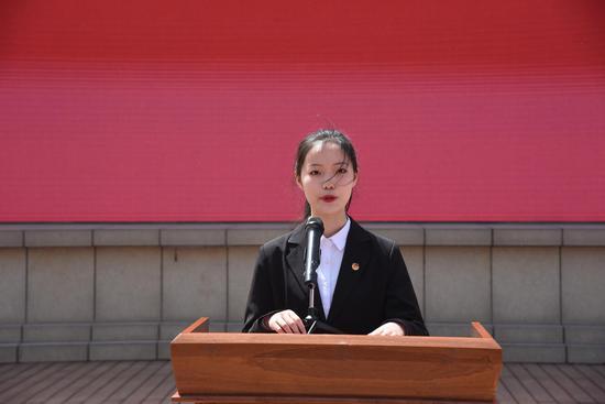 新团员代表宋初阳同学发言