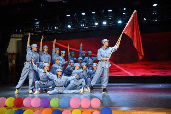 学生创作舞台剧《武定江山》