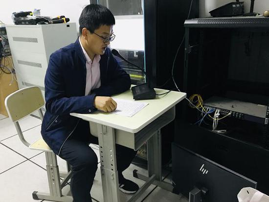 """无奋斗不青春!济南二中高三级部举行""""冲刺高考200天""""誓师广播校会"""