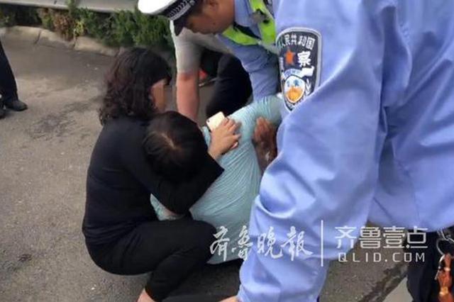 青岛男子520再次酒驾被查 妻子当场气晕被送120急救