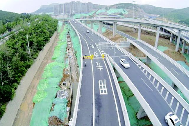 站台主体完工 济南燕山立交至领秀城的BRT8即将开跑
