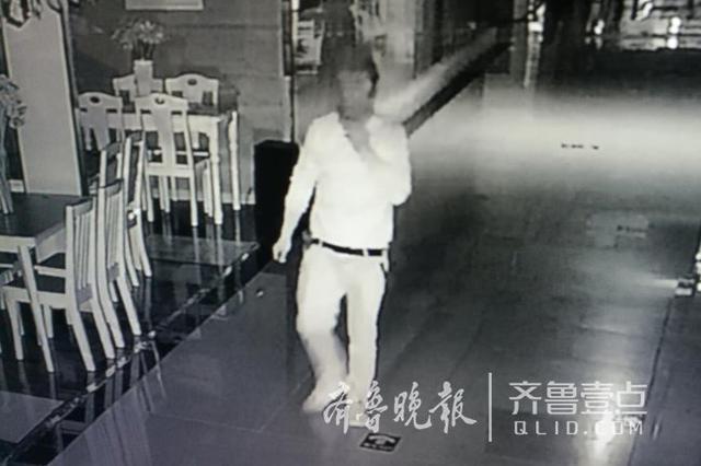 枣庄一商场十余万元黄金凌晨被盗 嫌犯10小时后被抓