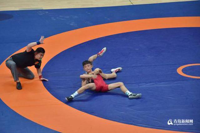 省运会首金在平度诞生 00后摔跤小将30秒夺冠(图)