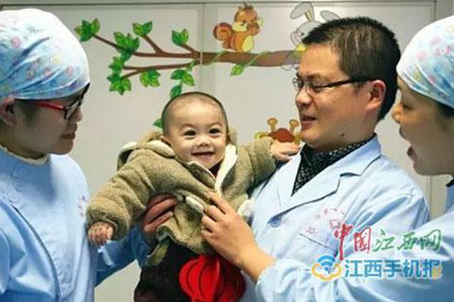守护406个日夜 医护人员救助被弃病婴直至其离世