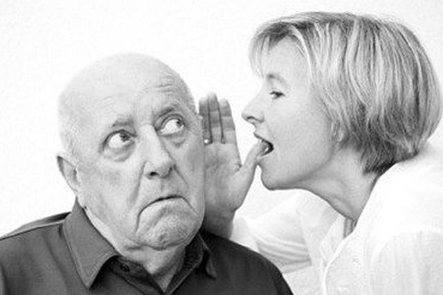 男子打两通宵麻将耳聋 接电话听不清以为听筒坏了