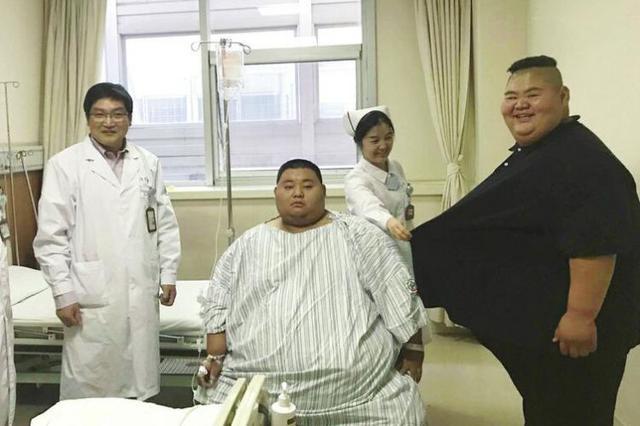"""""""山东首胖""""治疗仨月由668斤减至476斤"""