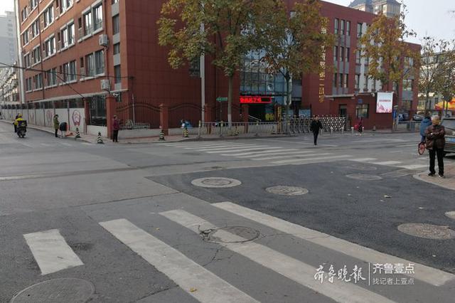 济南历山东路路面发生塌陷 已修复完毕恢复正常通行