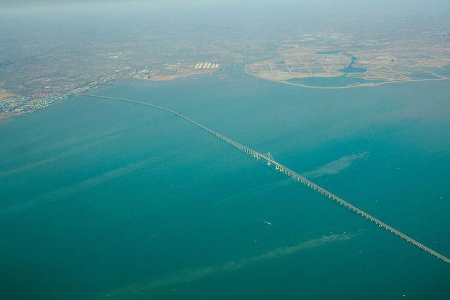 男子车停跨海大桥后失踪 12天后在海底发现其遗体