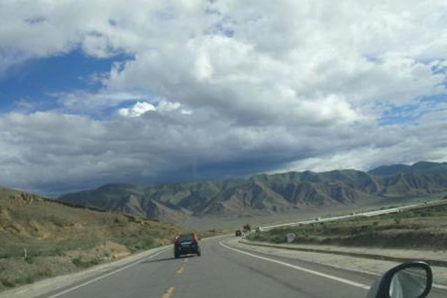 六旬老人西藏游猝死 家属告低价游旅行社索赔61万