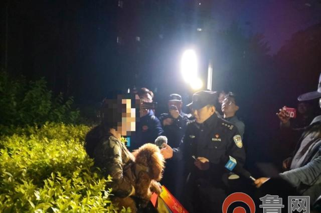 按规定饲养爱犬 济南天桥公安民警展开违规养犬整治行动