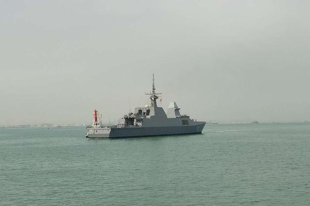参加多国海军活动的首艘外国军舰抵达青岛