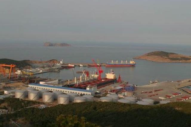 山东龙眼港一货船发生二氧化碳泄漏 致8人死亡