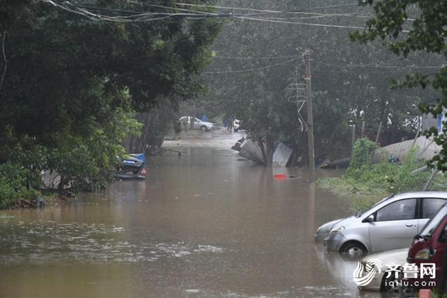 实时路况 济南市区降雨初歇 仍有5积水路段交通管制
