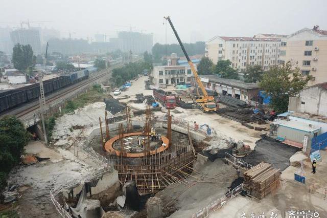 济宁王母阁跨线桥涉铁转体高架完成铁路沿线四电迁改